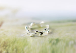 Lovely Olive Leaf Ring