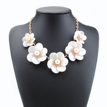 Load image into Gallery viewer, Big Flower Pearl Chain Statement Necklace
