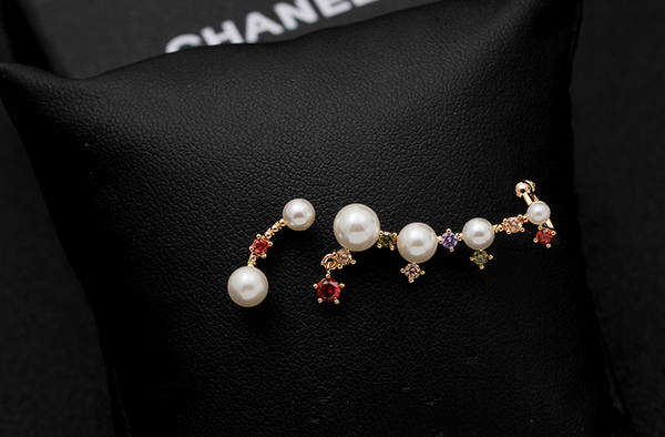 Fashion 925 Silver Asymmetric Pearls Rhinestone Earrings