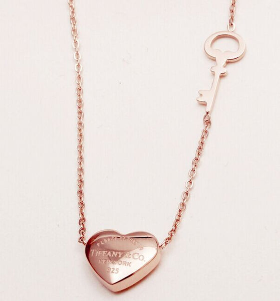 Simple 18k Gold Heart Key Necklace