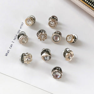 Decoration Creativity ofPearl Brooch Fixed Clothes with Female Pins