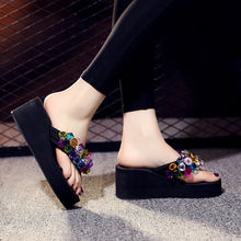 Load image into Gallery viewer, Slippers, thick bottom, slope and 70 colorful gemstones, fashionable herringbone slippers, beach shoes