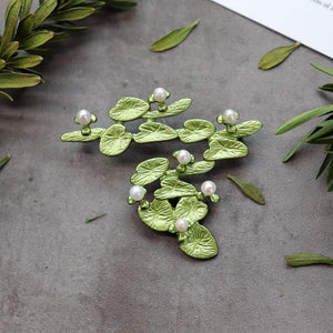 Handmade retro forest plant Brooch female elegant temperament high grade pearl pin cardigan Brooch art accessories