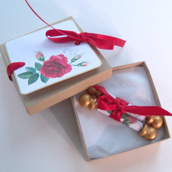 Blank mini scrolls with red roses and presentation boxes, set of 5