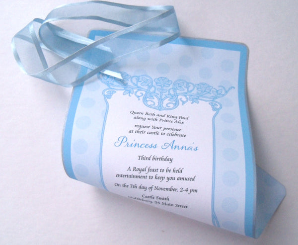 Sweet light blue Princess birthday invitation scrolls with polka dots, set of 10
