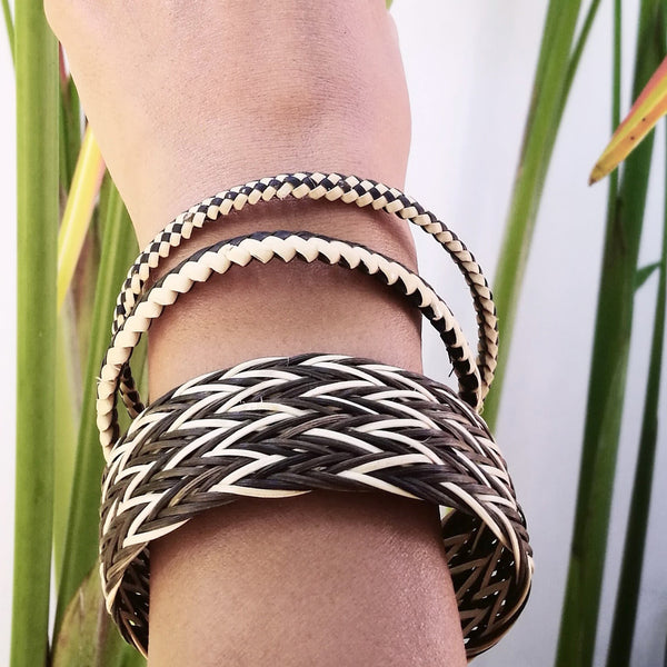 Common Texture handmade woven and plaited rattan bangle bracelet set from Malaysia in natural colors and patterns.