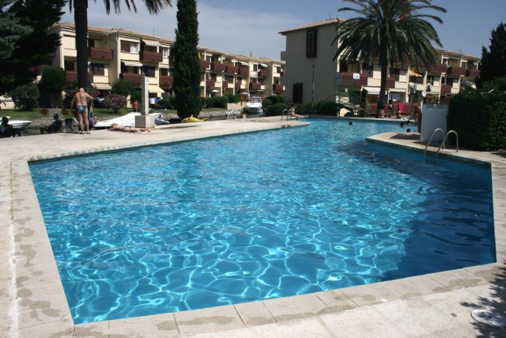 2 Bedroom apartment with Pool and Terrace, Empuria Brava, Spain - Black Sea Real Estate