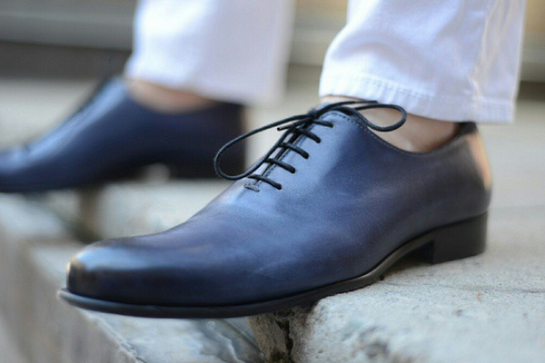 8da962e6640a3 The Right Shoes to Complete Your Warm Weather Wardrobe