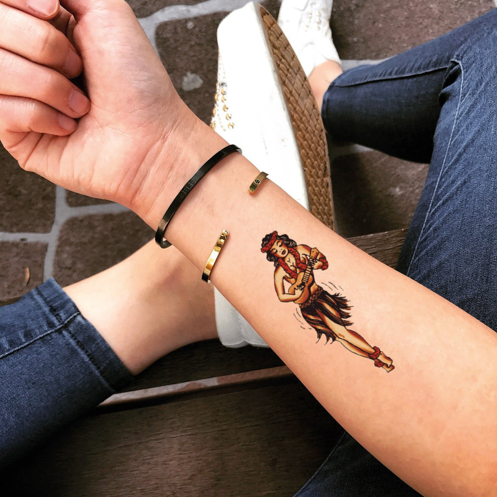 fake small hula girl color temporary tattoo sticker design idea on forearm