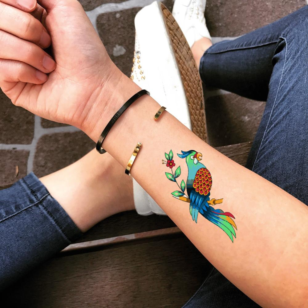 fake small parrot parakeet macaw color animal temporary tattoo sticker design idea on forearm