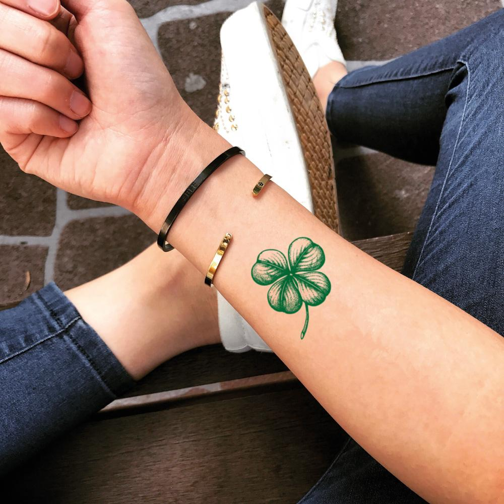 fake small st patricks day clover leaf color temporary tattoo sticker design idea on wrist