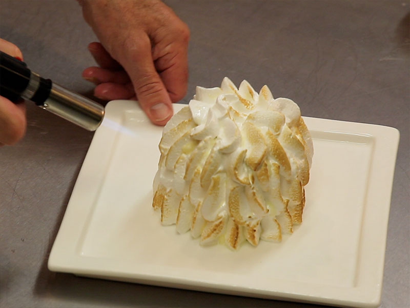 Flambé Meringue for Pineapple Ice-cream Gateau