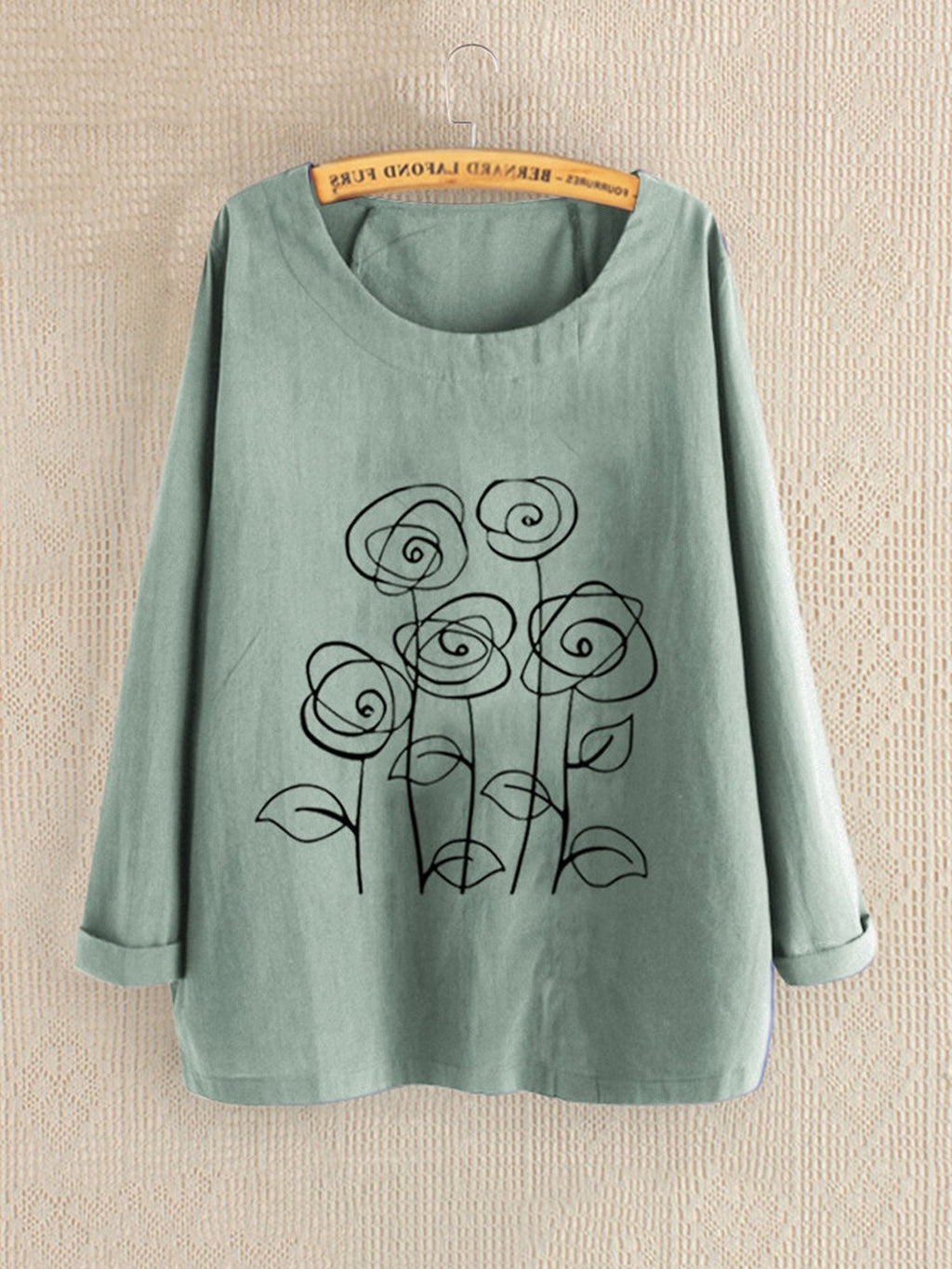 Plus Size Graphic Flower Print Round Neck Loose Blouse
