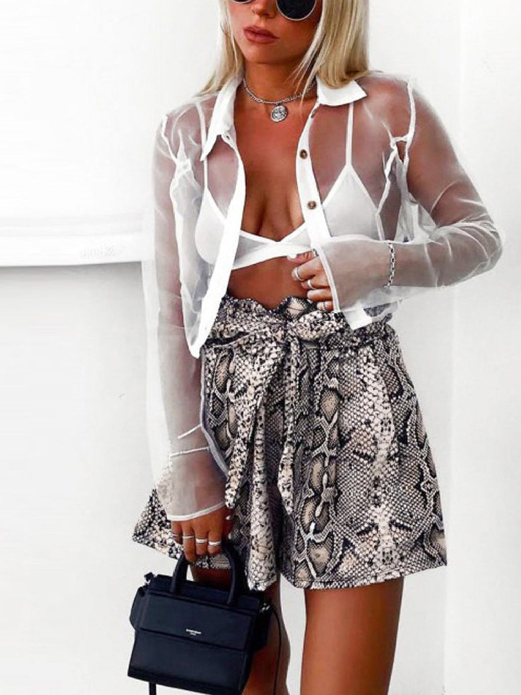 Sneak Print Fashion Loose Lace-up High Rise Women Casual Shorts