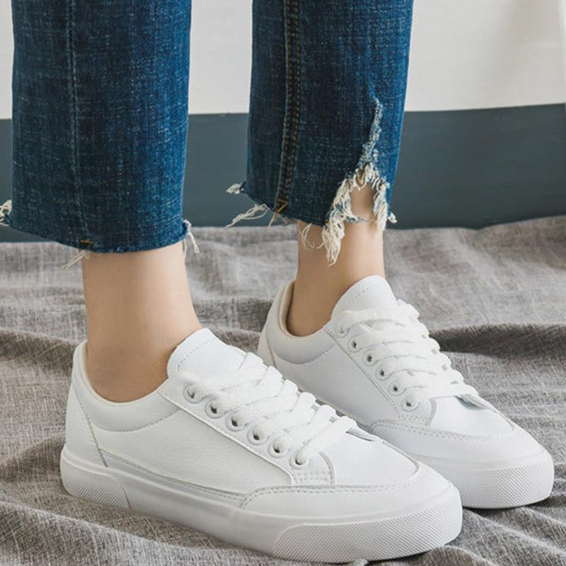Women's Flat Well-ventilated Astificial Leather Basic Sneakers
