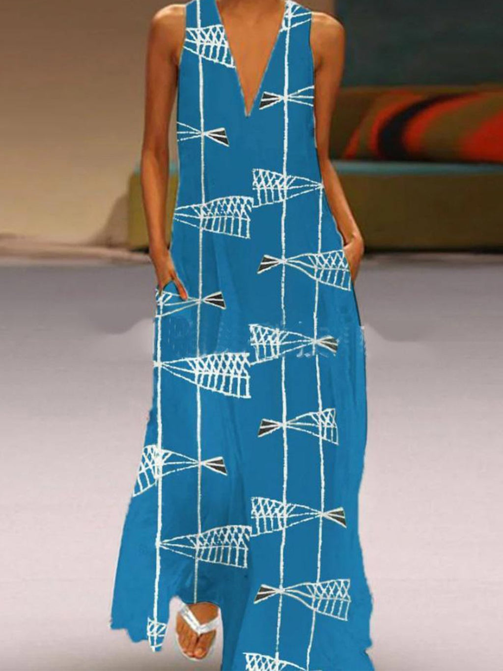 Asymmetric Fish Graphic Print Plus Size V Neck Sleeveless Maxi Dress