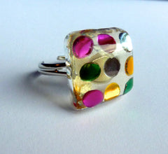 Colourful dots ring