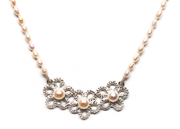Pearls and lace forget me not necklace