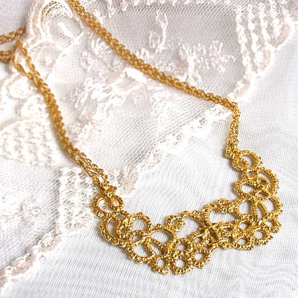 gold lace collar necklace