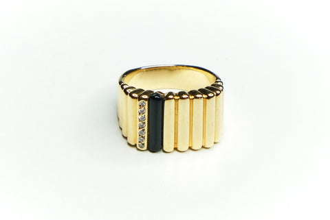Onyx and Diamond Gold Roll Ring