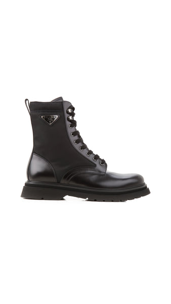 Logo Lace-Up Boots - BlackS
