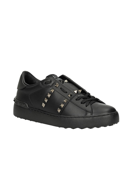 Leather Rockstud Untitled Low Top Sneakers - Black
