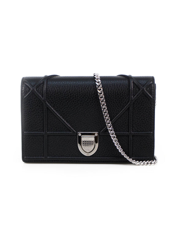Pebbled Leather Clutch Bag With Chain - Black / Silver