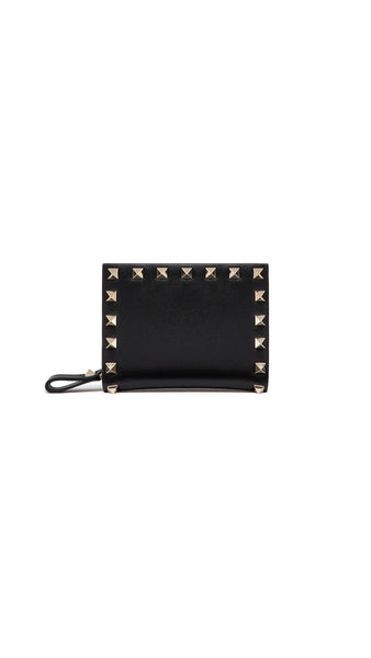 Small Valentino Garavani Rockstud wallet in calfskin leather.