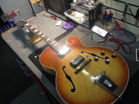 Gibson Tal Farlow Hollowbody Guitar Stainless Steel Refret