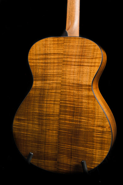 Breedlove Masterclass Concert Bearclaw Sitka Spruce/Koa Acoustic Electric Guitar - Includes Deluxe Hard Case