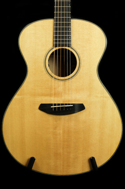 Breedlove Oregon Concerto Sitka Spruce/Myrtlewood Acoustic Electric Guitar - Includes Case