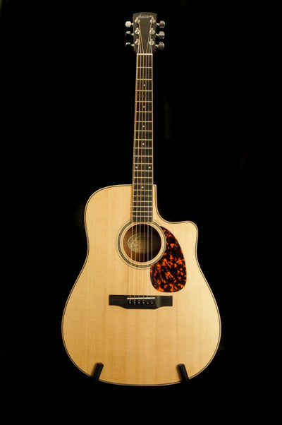 Larrivee DV-03 Sitka Spruce/Mahogany Dreadnought Acoustic Guitar