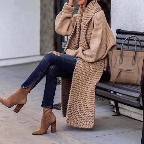 Bib decorative knit coat