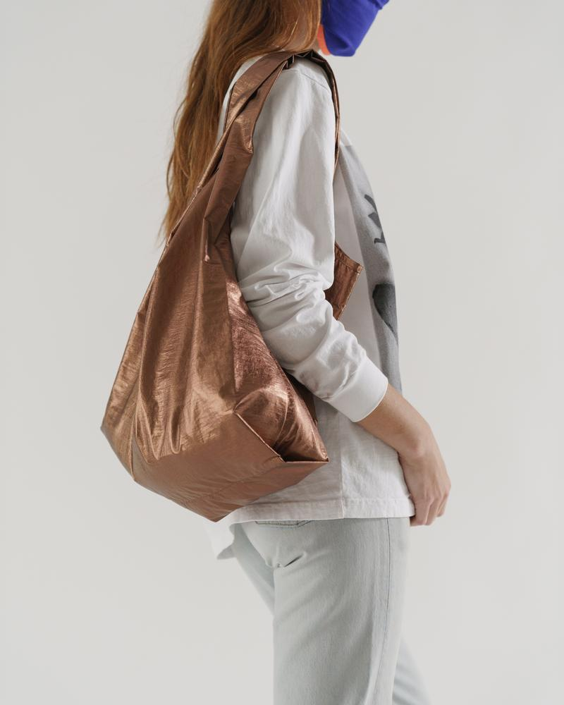 The Standard Baggu in Copper Metallic