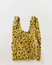 Load image into Gallery viewer, The Standard Baggu in Leopard