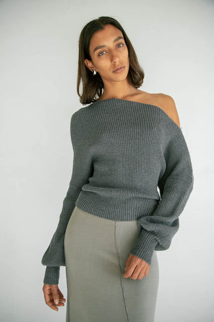 The Leon Off Shoulder in Charcoal