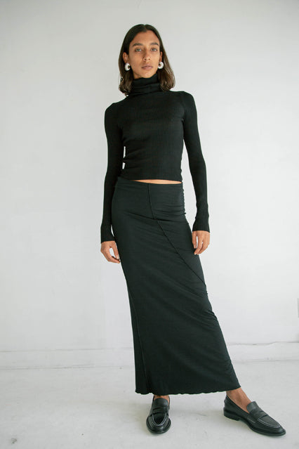The Vana Skirt in Black