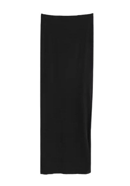 Back of black side-slit long skirt