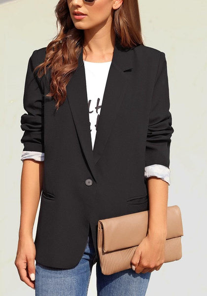 Front view of model wearing black notch lapel single-button plain blazer