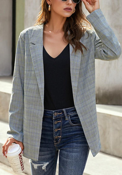 Front view of model wearing grey roll-up sleeves side-slit notch lapel blazer