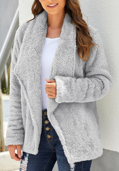 Front view of model wearing grey side-pockets lapel fleece coat