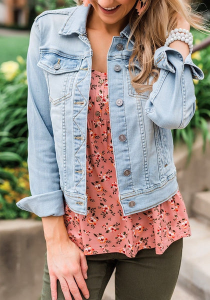 Modal wearing basic long sleeves button down fitted denim jean jackets