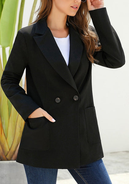 Model in black oversized pockets double-breasted blazer