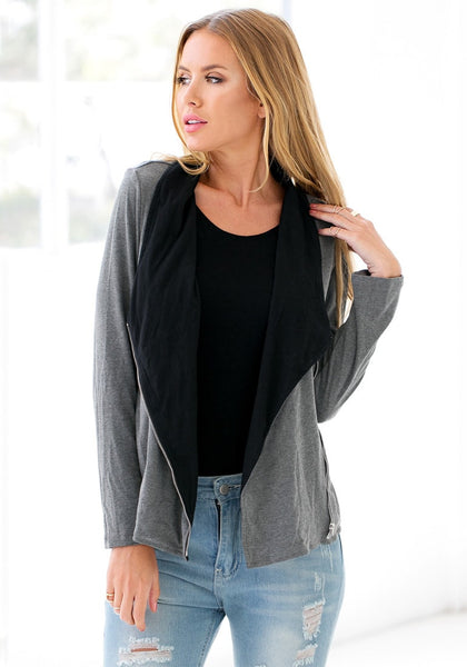 Pretty model wearing grey oblique zipper cardigan