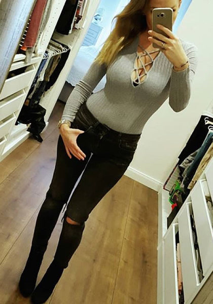 saskiasbeautyblog is wearing lookbookstore grey ribbed lace-up bodysuit