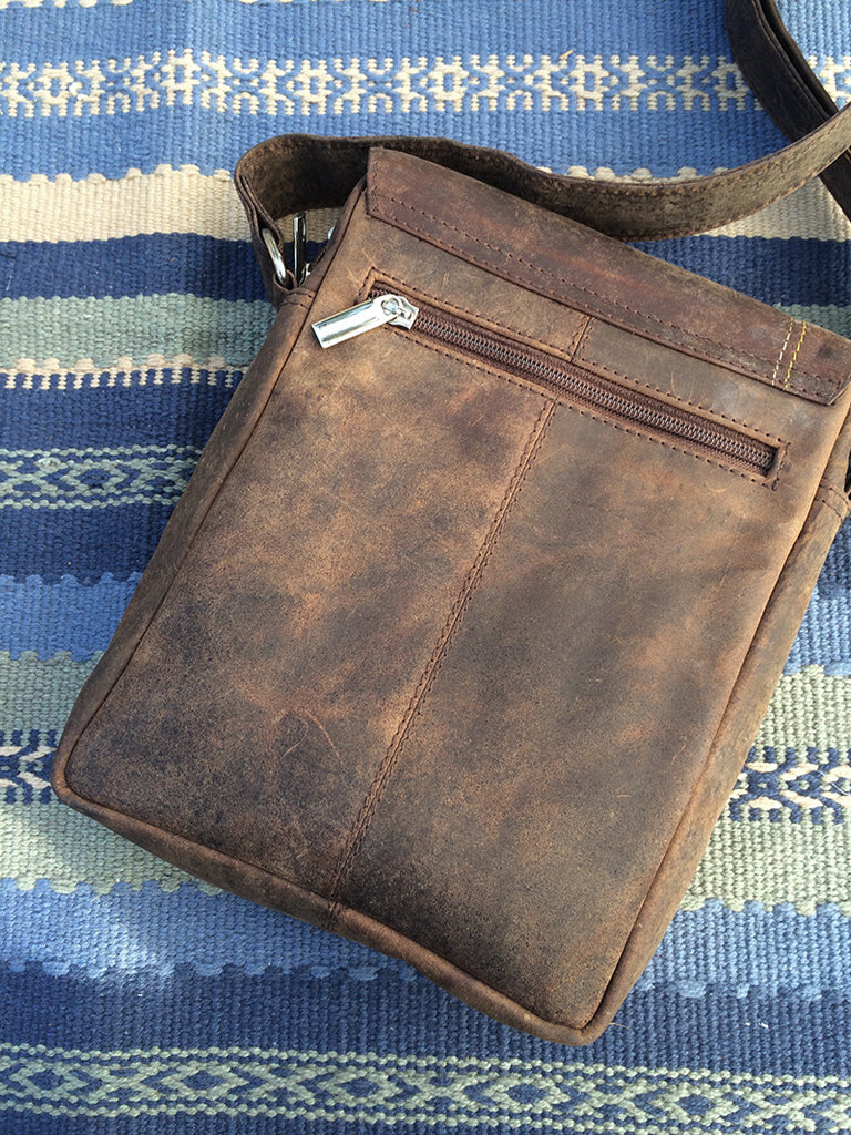 hunter shoulder bag back