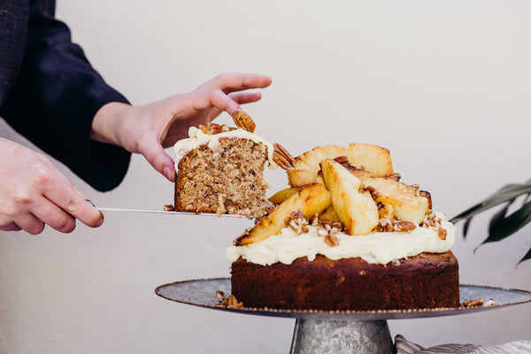 Eat IN BED: Sian Redgrave's Humming Bird Cake with Grilled Pineapple & Mascarpone