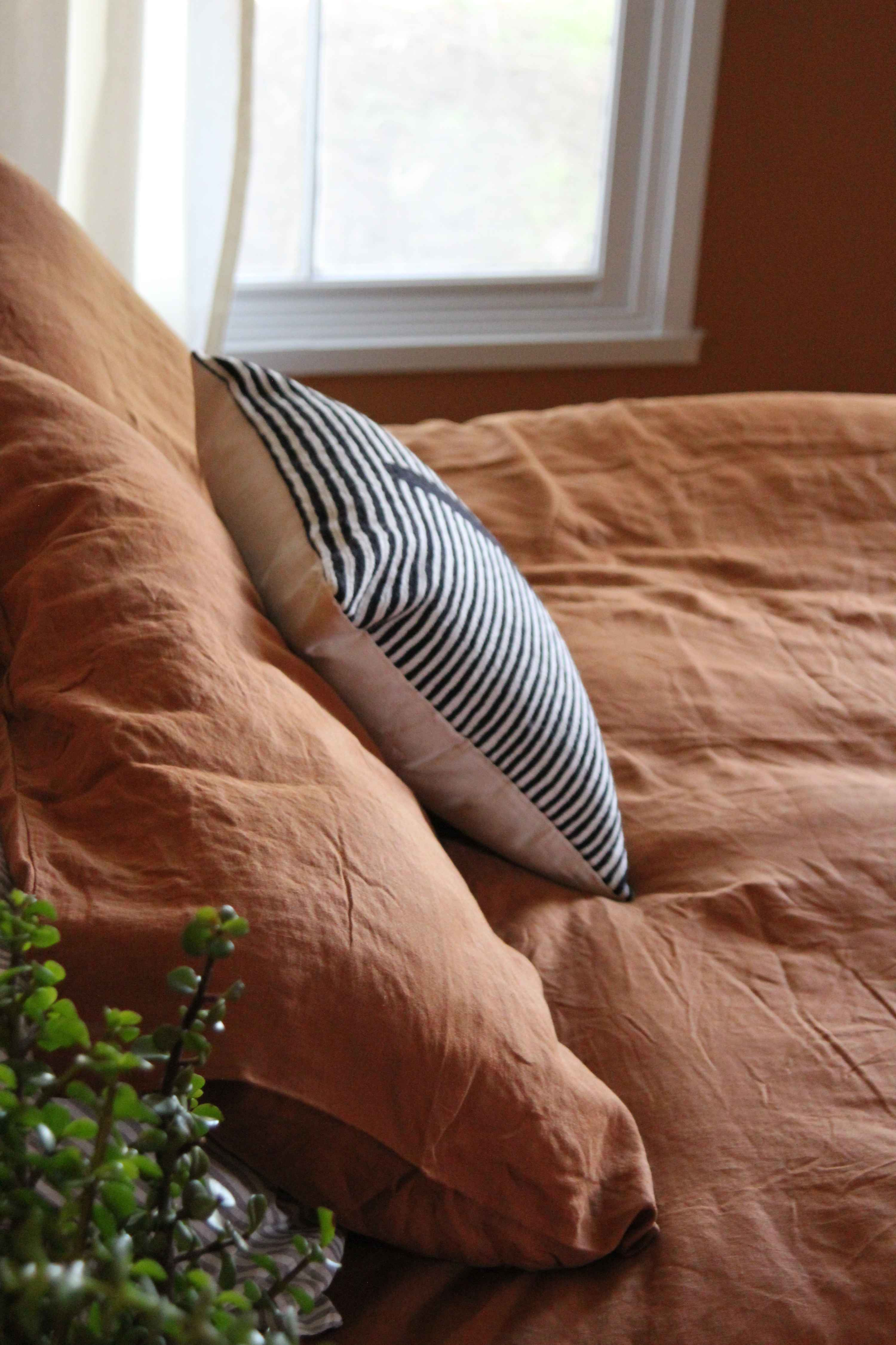 Linen duvet, sheets, pillowcases by IN BED