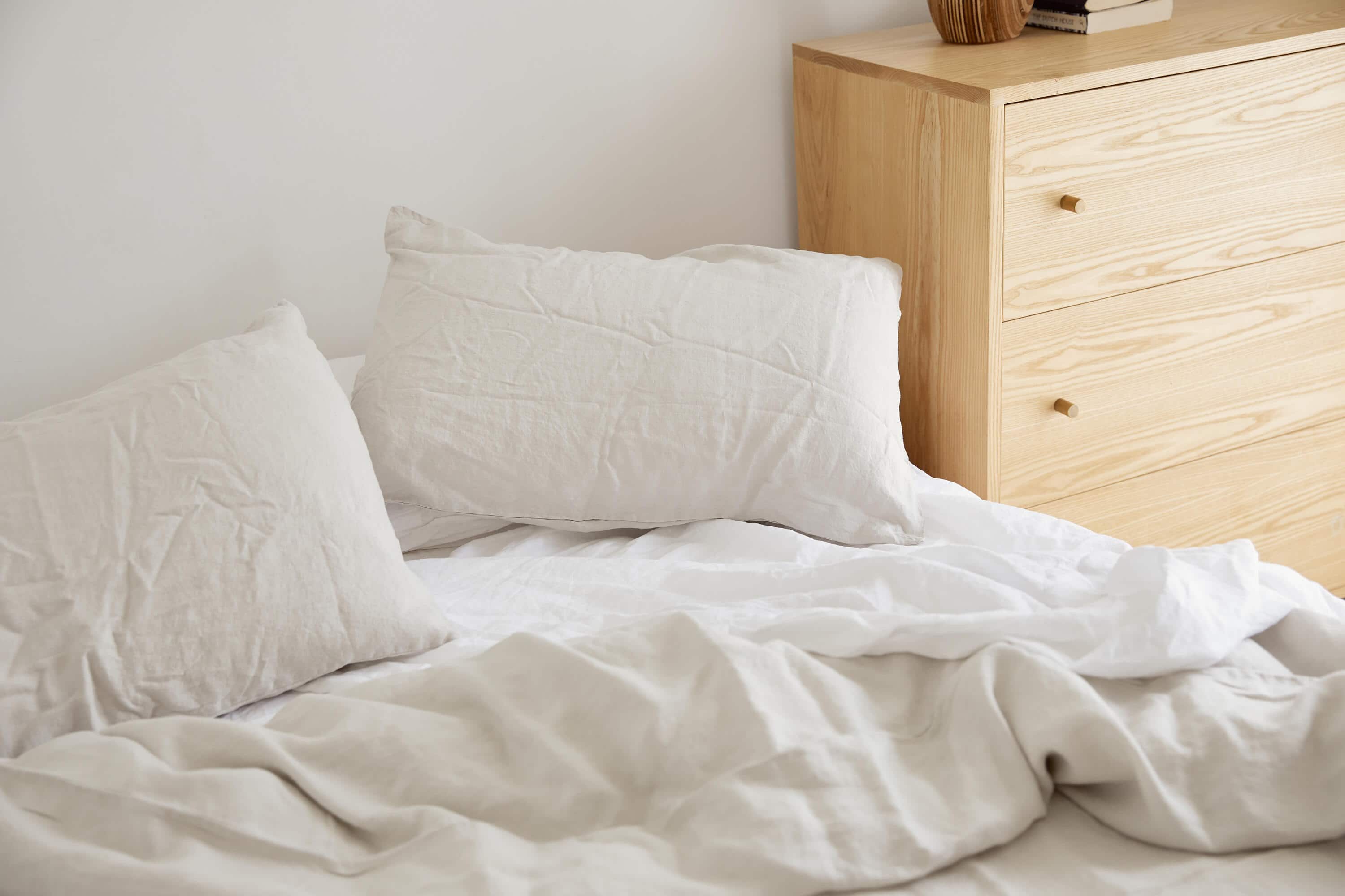 Linen duvet, sheets and pillowcases by IN BED