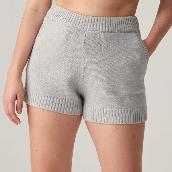 Cashmere, Silk & Linen Shorts in Light Grey